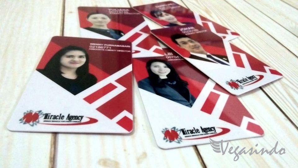 contoh kartu id card karyawan